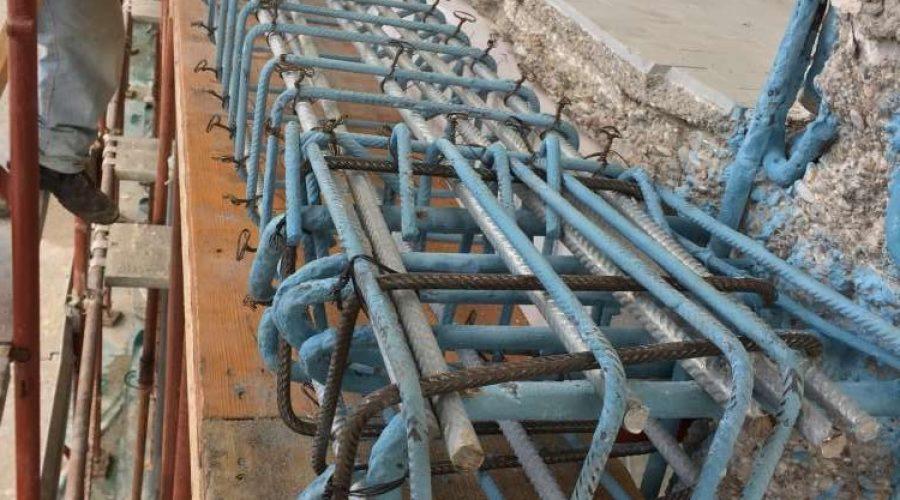 Demolizione-di-calcestruzzo-ammalorato-con-successiva-idro-sabbiatura-e-trattamento-dei-ferri-darmatura-con-aggiunta-di-nuove-barre-in-acciaio-zincato-a-caldo-per-inrigidimento-strutturale.