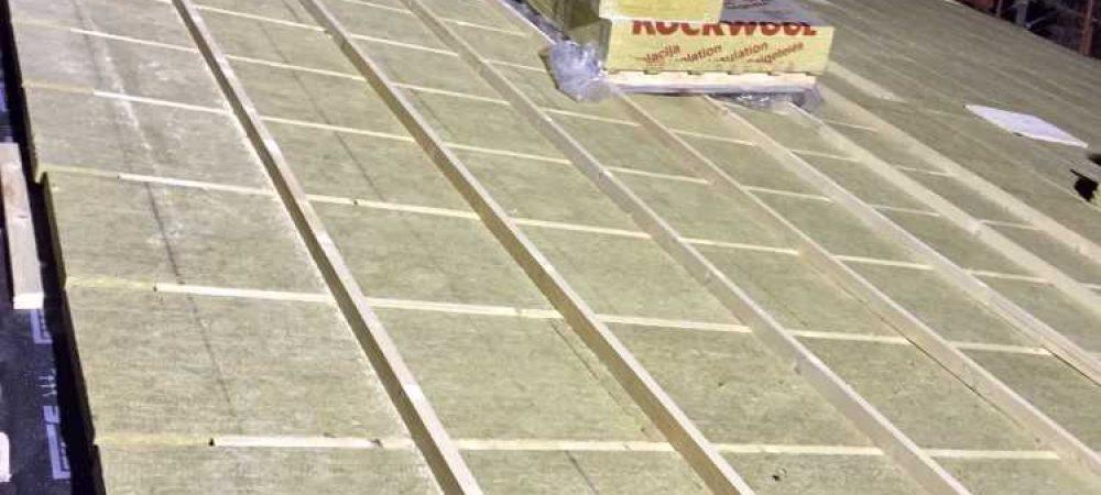Realizzazione di isolamento termico per solaio di copertura con sistema Tetto Ventilato e pannello isolante bidirezionale in lana di roccia